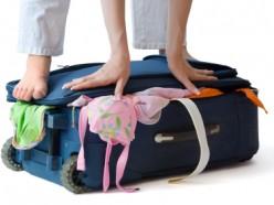 מה לארוז לחופשה בחול ומה להשאיר בבית?