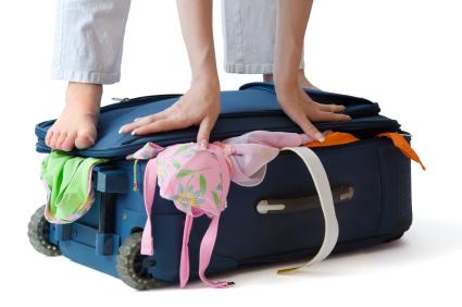 """מה לארוז לחופשה בחו""""ל ומה להשאיר בבית?"""
